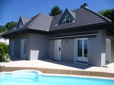 Top 3 des chantiers r nov s avec la solution d ite uniso - Maison grise et blanche ...