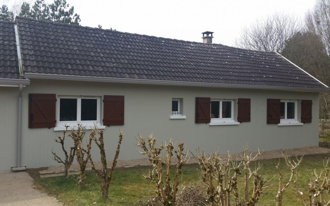 Isolation par l 39 ext rieur d 39 une maison des ann es 70 uniso for Maison 1970 renovation
