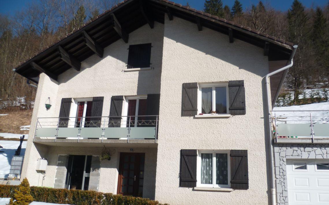 R novation thermique d 39 une maison avec pignons uniso solutions isolation - Isolation d une maison ...